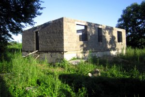 Недостроенный дом на арендованном земельном участке